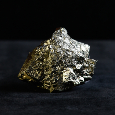 Pyrite crystal_shades of silver and gold